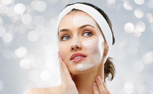 Cách chăm sóc da dầu mụn đầu đen vào mùa hè và mùa đông tại nhà đơn giản, hiệu quả