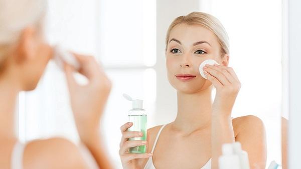 Cách chăm sóc da dầu mụn