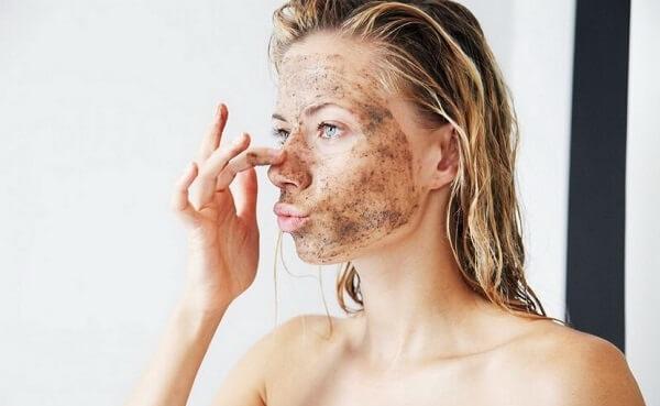 Hướng dẫn 4 cách tẩy da chết tại nhà bằng các nguyên liệu quen thuộc