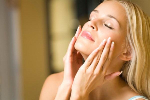 Cách chăm sóc da mặt tuổi 40 chị em nên biết để có một làn da đẹp
