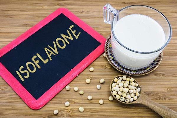 Hoạt chất Isoflavon giúp làm đẹp da cho chị em như thế nào?
