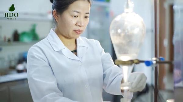 Thạc sĩ hóa sinh Bá Thị Châm – Nữ khoa học đầu tiên chế tạo thành công Nano Isoflavon từ mầm đậu nành dược liệu