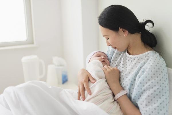 Bổ sung nội tiết tố nữ sau sinh bằng cách nào hiệu quả? Bạn có biết?
