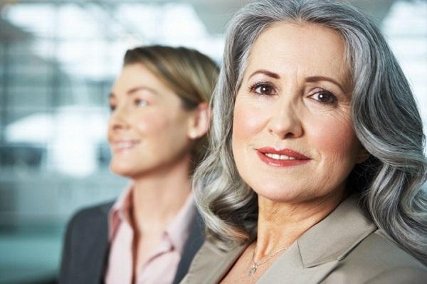 """Phụ nữ tuổi 50 cần bổ sung gì để """"níu giữ tuổi xuân"""" và trẻ trung yêu đời như tuổi đôi mươi?"""