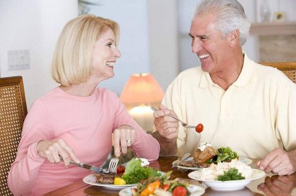 """Chế độ dinh dưỡng cho phụ nữ tiền mãn kinh kéo dài """"tuổi xuân"""" hiệu quả"""
