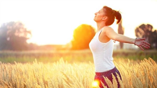 Bổ sung nội tiết tố nữ giúp tăng sức đề kháng, phòng chống virus Corona cho nữ giới