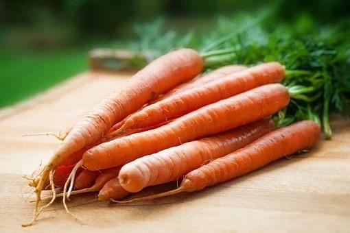Cách trẻ hóa làn da tại nhà với cà rốt