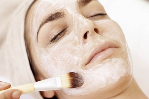 Nên áp dụng cách trẻ hóa làn da bằng mặt nạ trứng gà từ 1-2 lần /tuần