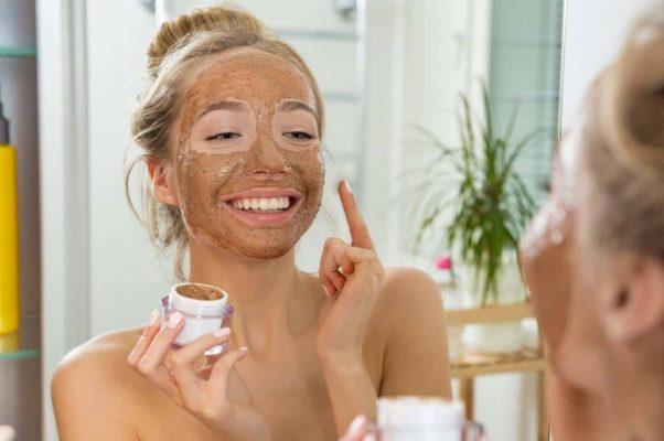 Muốn trẻ hóa da mặt an toàn, chăm sóc da mặt đúng cách là điều cần thiết